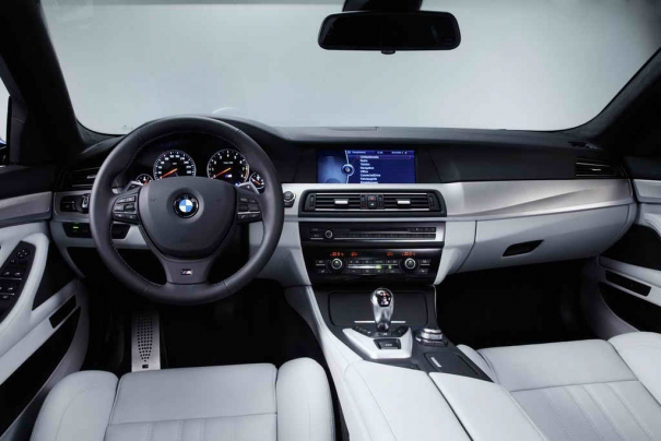 2012 BMW M5  (Photo 1 of 9)
