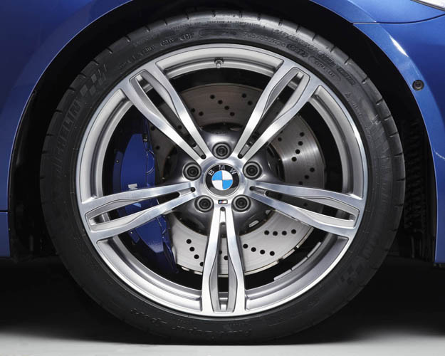 2012 BMW M5  (Photo 2 of 9)