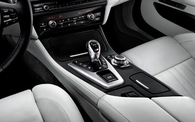 2012 BMW M5 (View 4 of 9)