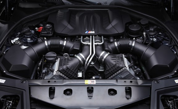 2012 BMW M5  (Photo 6 of 9)