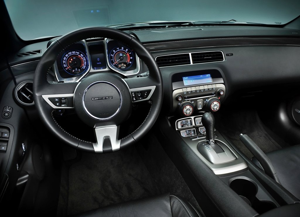 2012 Chevrolet Camaro Convertible EU Version Interior (Photo 6 of 8)