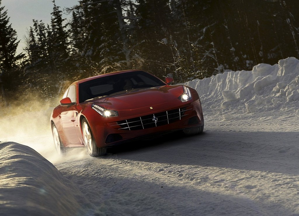 2012 Ferrari FF Front  (Photo 5 of 13)