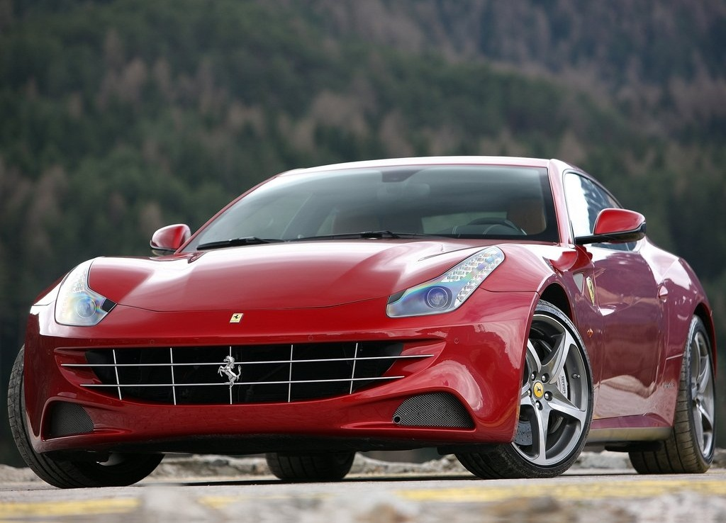 2012 Ferrari FF Front (Photo 4 of 13)