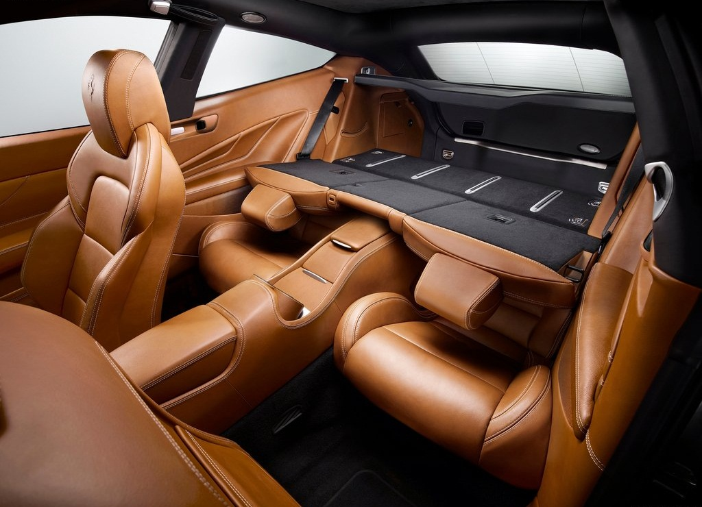 2012 Ferrari FF Interior  (Photo 7 of 13)
