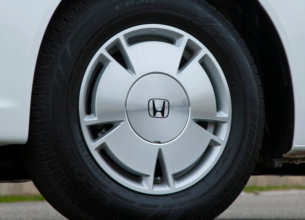 2012 Honda Civic HF Tire (Photo 7 of 7)