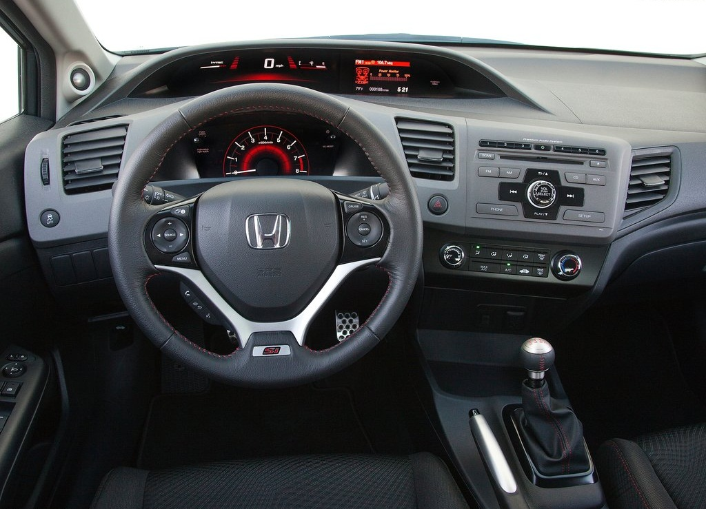 https://cevpu.com/wp-content/uploads/2011/10/2012-Honda-Civic-Si-Sedan-interior-2.jpg
