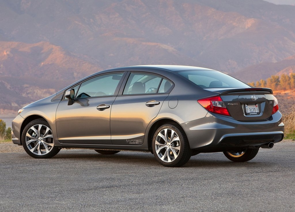 2012 Honda Civic Si Sedan Rear (View 7 of 8)