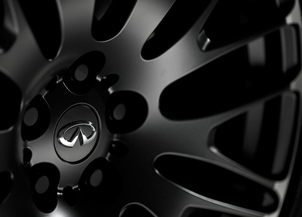 2012 Infiniti FX Sebastian Vettel Wheels (Photo 7 of 7)