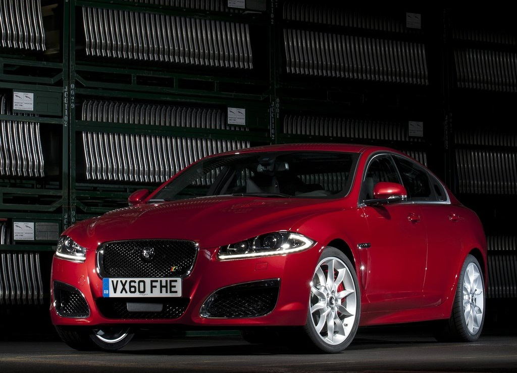 2012 Jaguar XFR  (Photo 2 of 5)