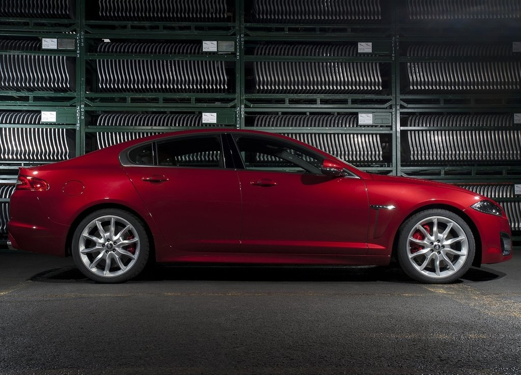 2012 Jaguar XFR Side (Photo 5 of 5)