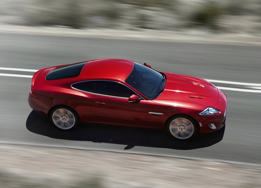 Featured Image of 2012 Jaguar XKR New Design Concept Information