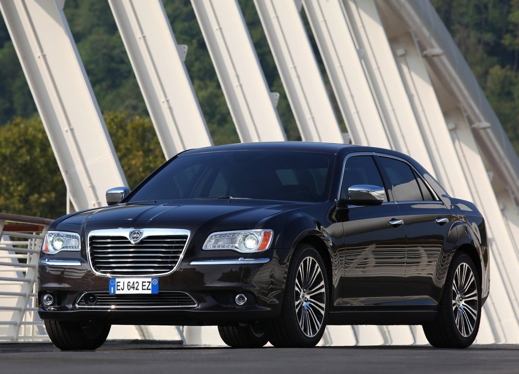 2012 Lancia Thema (View 1 of 9)