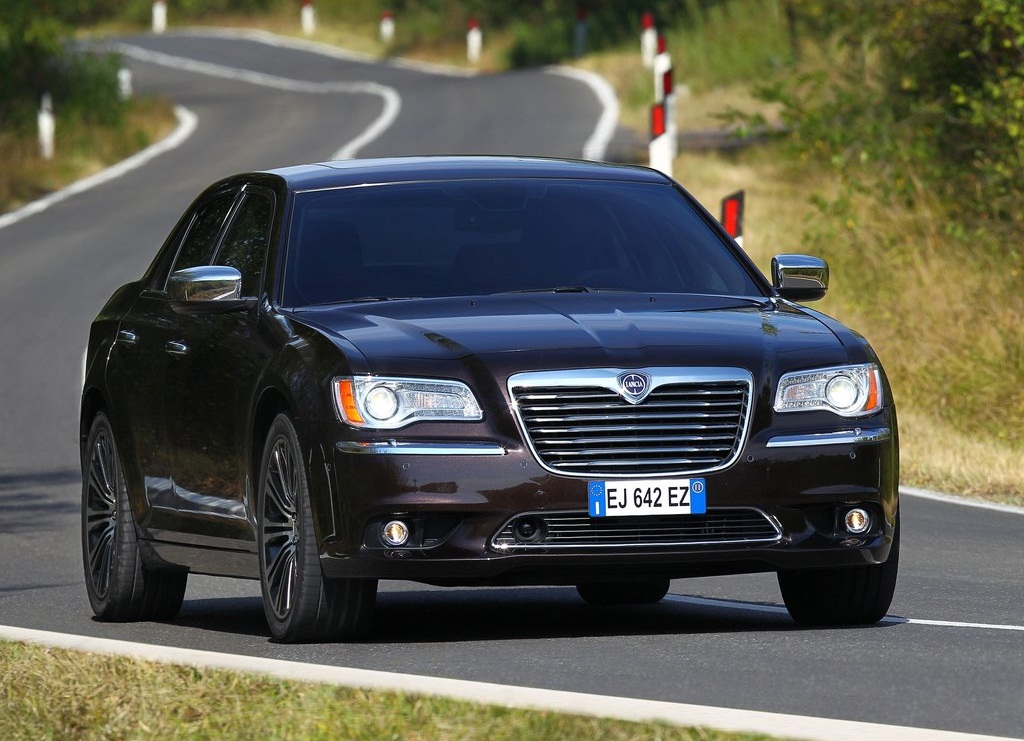 Featured Image of 2012 Lancia Thema Innovative Classical Style Concept