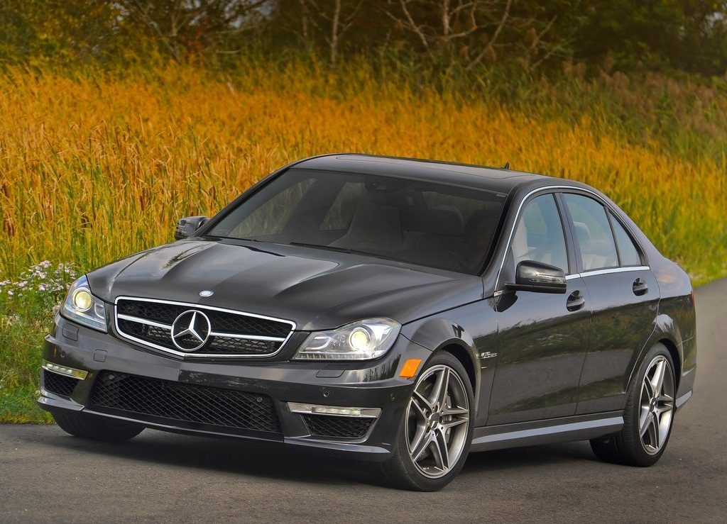 Featured Image of 2012 New Mercedes Benz C63 AMG Concept Information