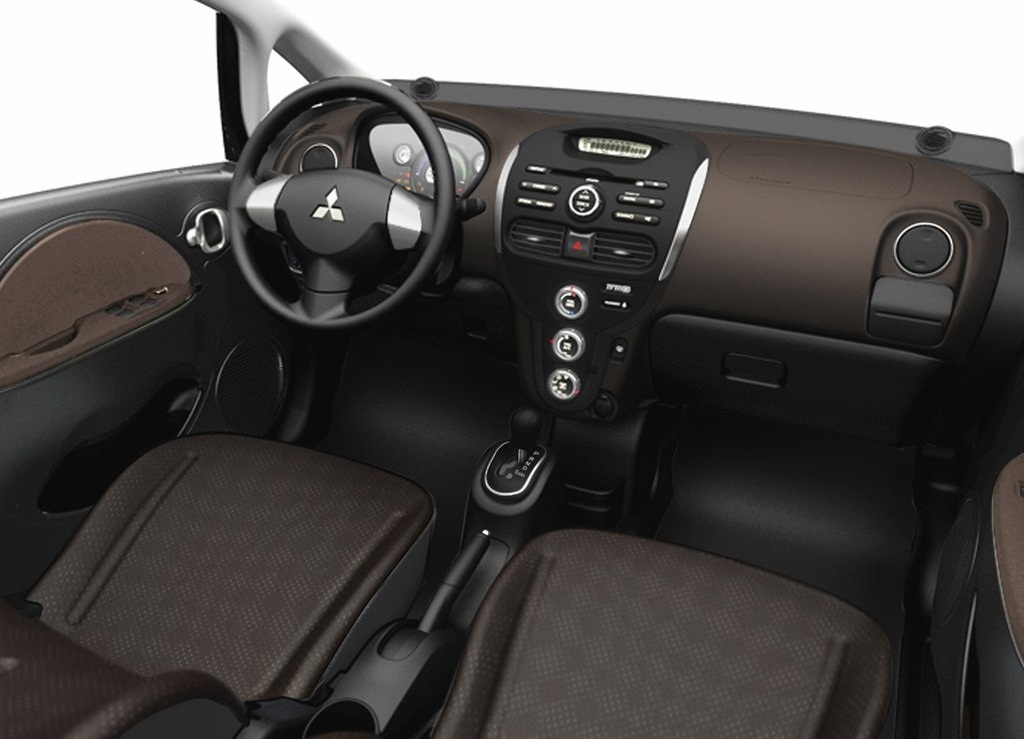 2012 Mitsubishi I MiEV US Version Interior (Photo 4 of 5)