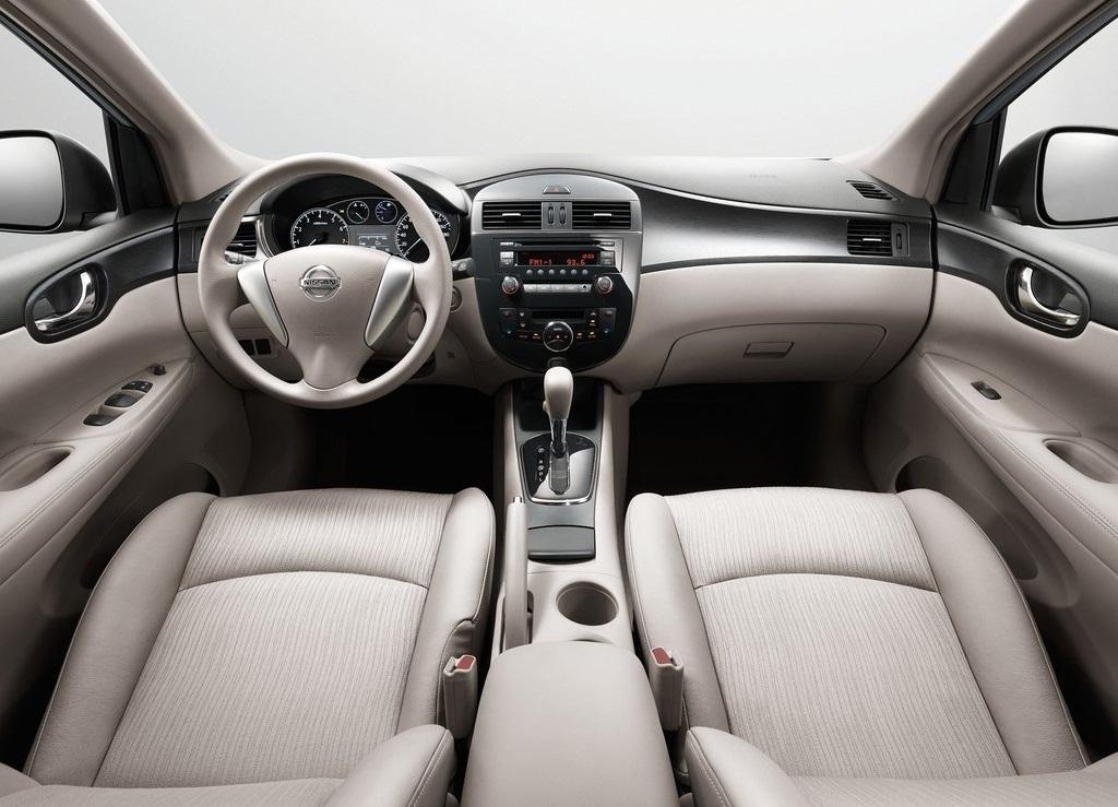 2012 Nissan Tiida Interior 2 (Photo 1 of 5)