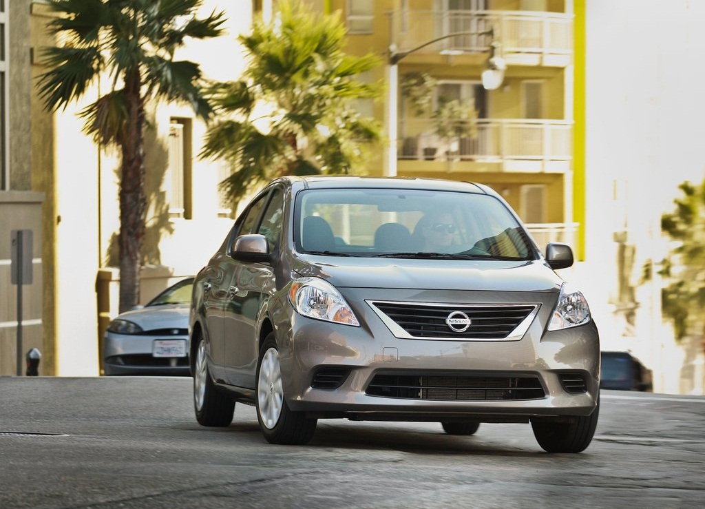 2012 Nissan Versa Sedan Front (Photo 3 of 7)
