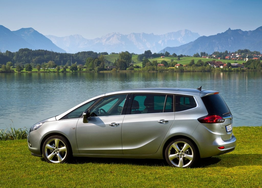 2012 Opel Zafira Tourer Side (View 9 of 11)