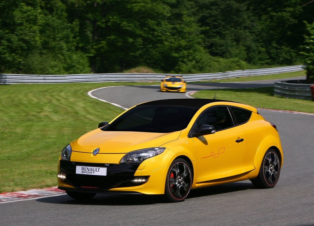 Featured Image of 2012 Renault Megane RS Trophy