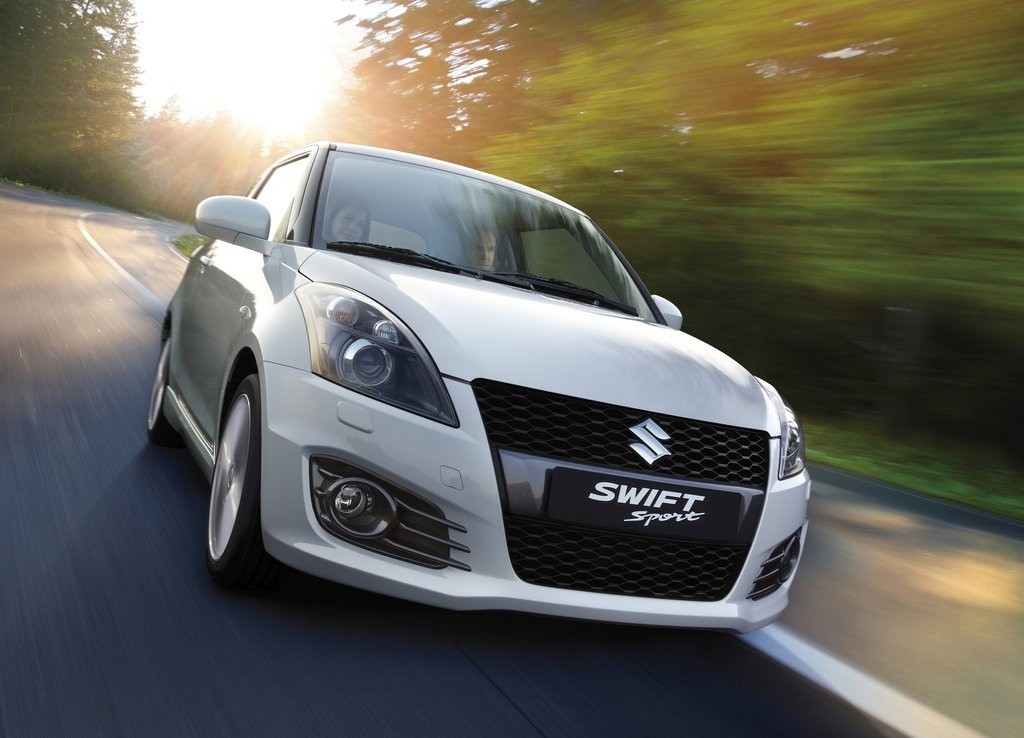 2012 Suzuki Swift Sport Front (Photo 3 of 8)