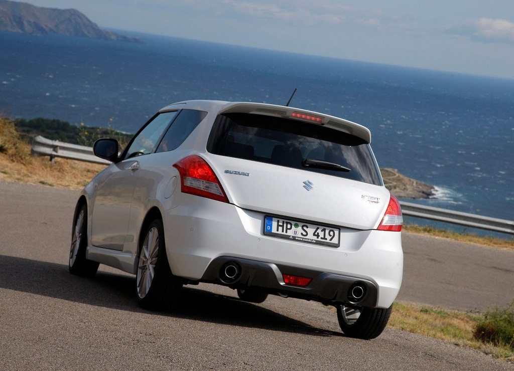 2012 Suzuki Swift Sport Rear (Photo 7 of 8)