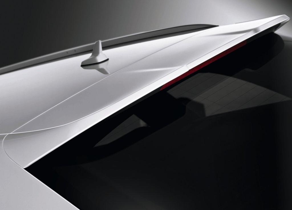 2013 Audi S6 Avant Exterior Detail (Photo 4 of 8)