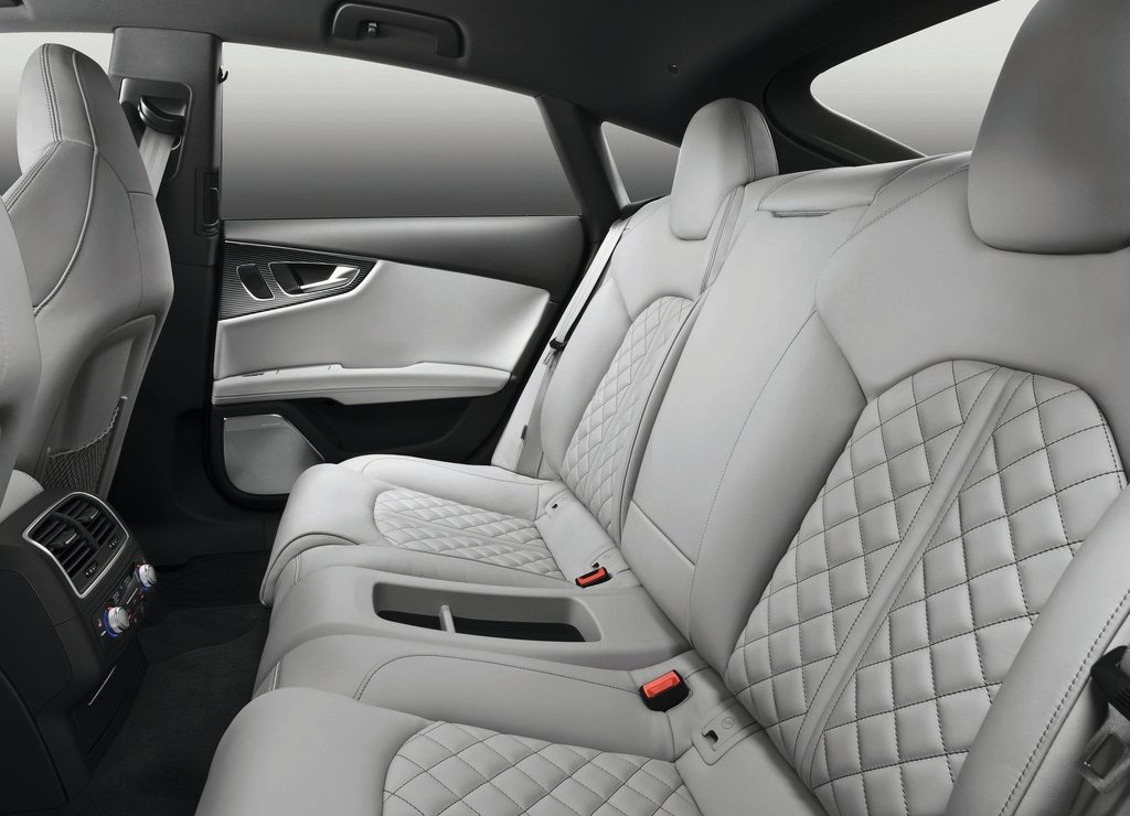 2013 Audi S7 Sportback Interior  (Photo 4 of 9)