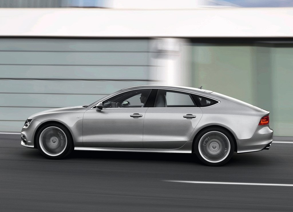 2013 Audi S7 Sportback Side (Photo 6 of 9)