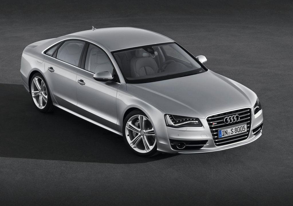 2013 Audi S8  (Photo 1 of 12)