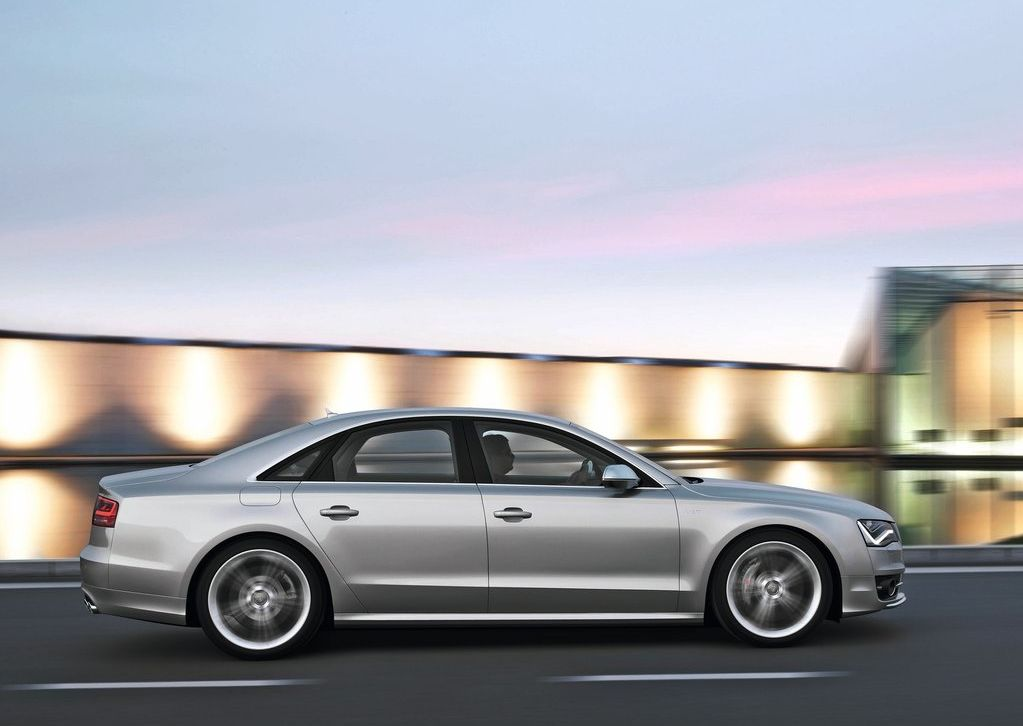 2013 Audi S8 (View 2 of 12)