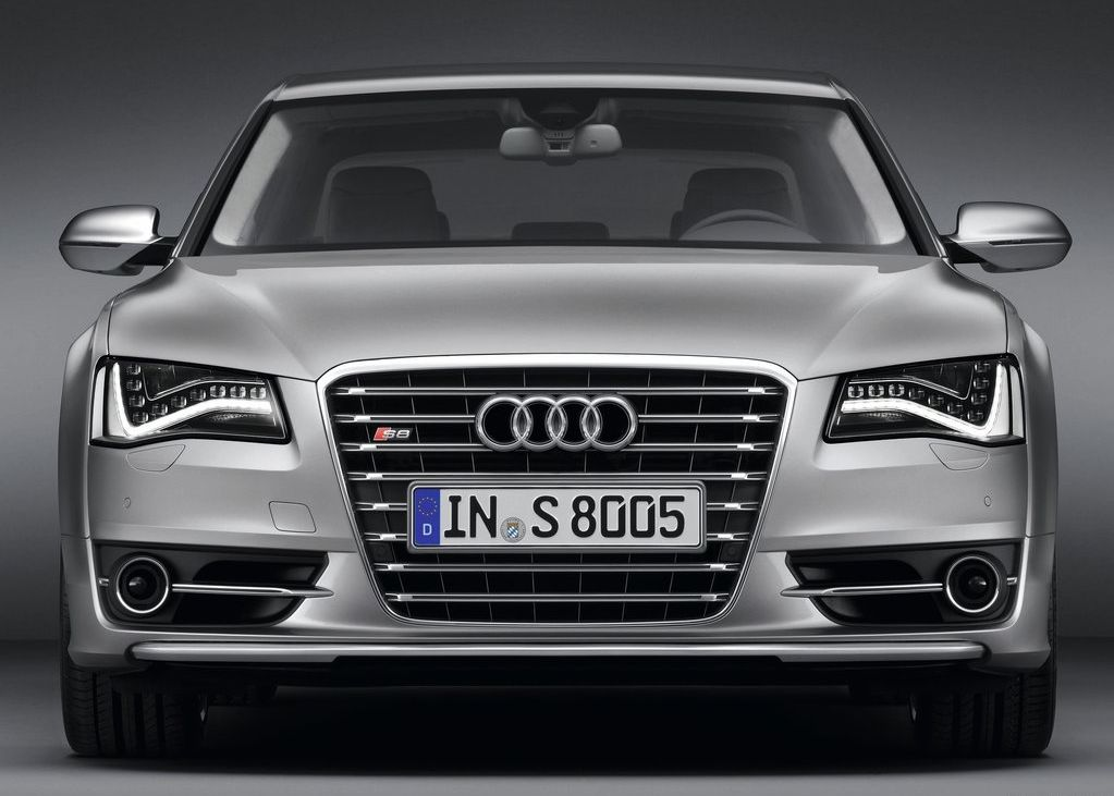 2013 Audi S8 (View 7 of 12)