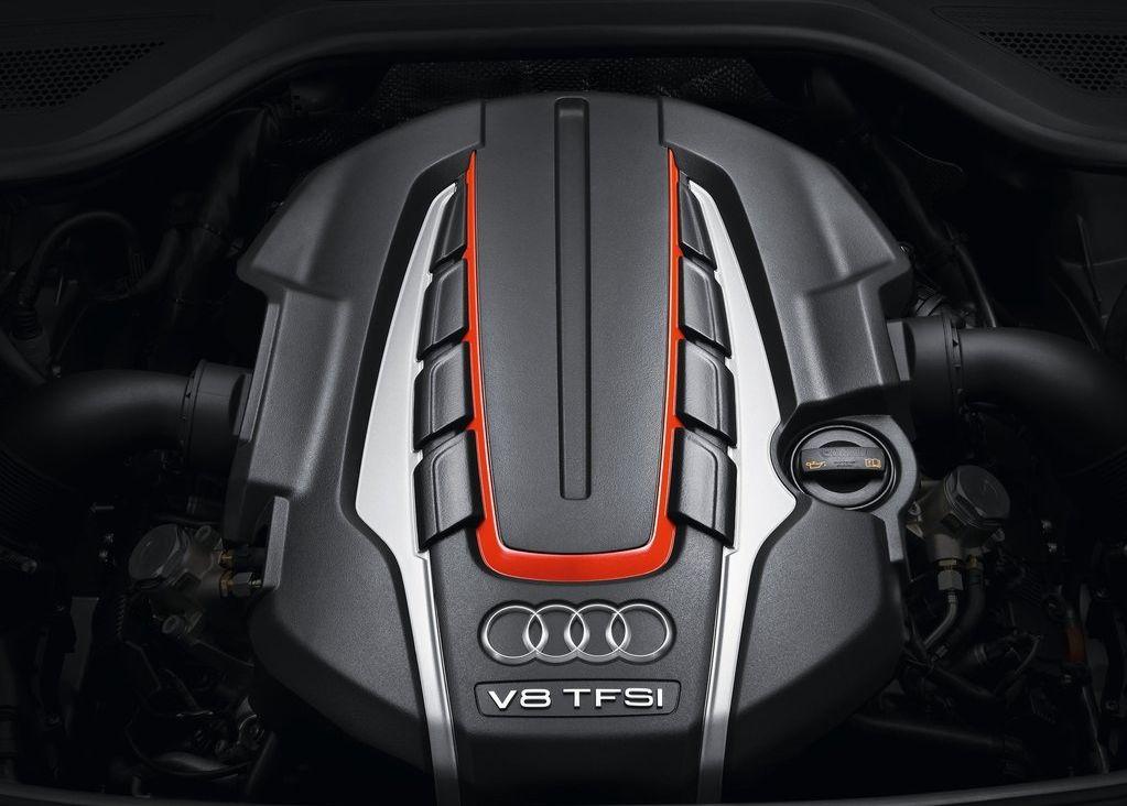 2013 Audi S8  (Photo 8 of 12)