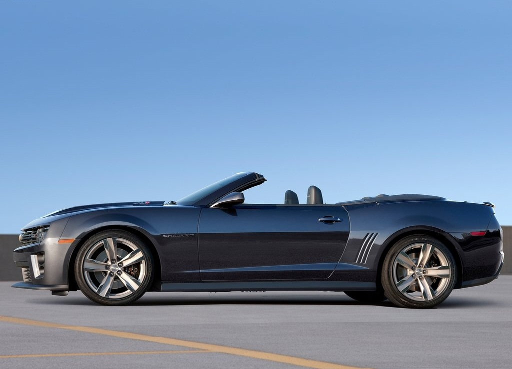 2013 Chevrolet Camaro ZL1 Convertible  (Photo 2 of 6)