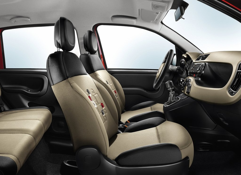 2013 Fiat Panda Interior (Photo 3 of 5)