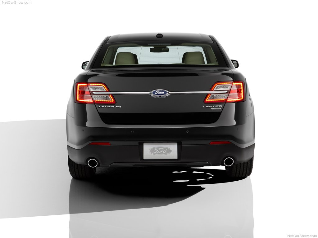 2013 Ford Taurus Behind (Photo 3 of 12)