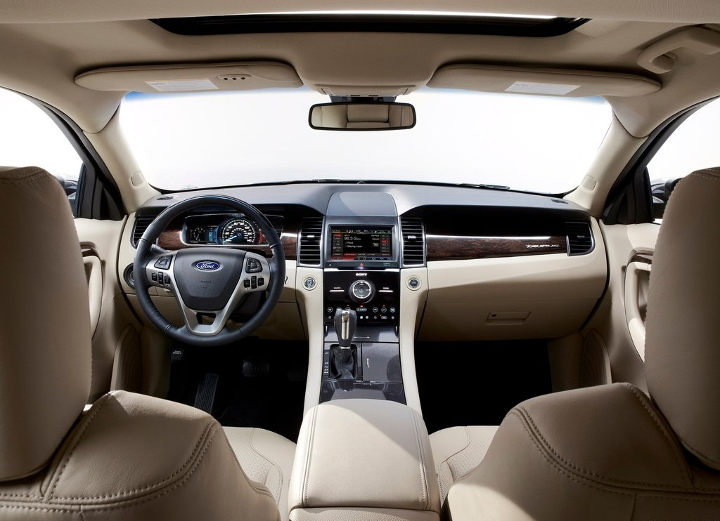 2013 Ford Taurus Interior (Photo 12 of 12)