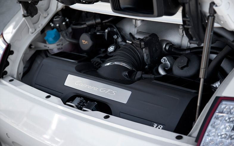 2013 Porsche 911 Carrera Engine (View 1 of 9)