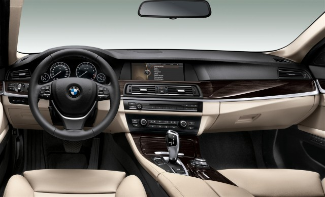 BMW ActiveHybrid (View 4 of 9)