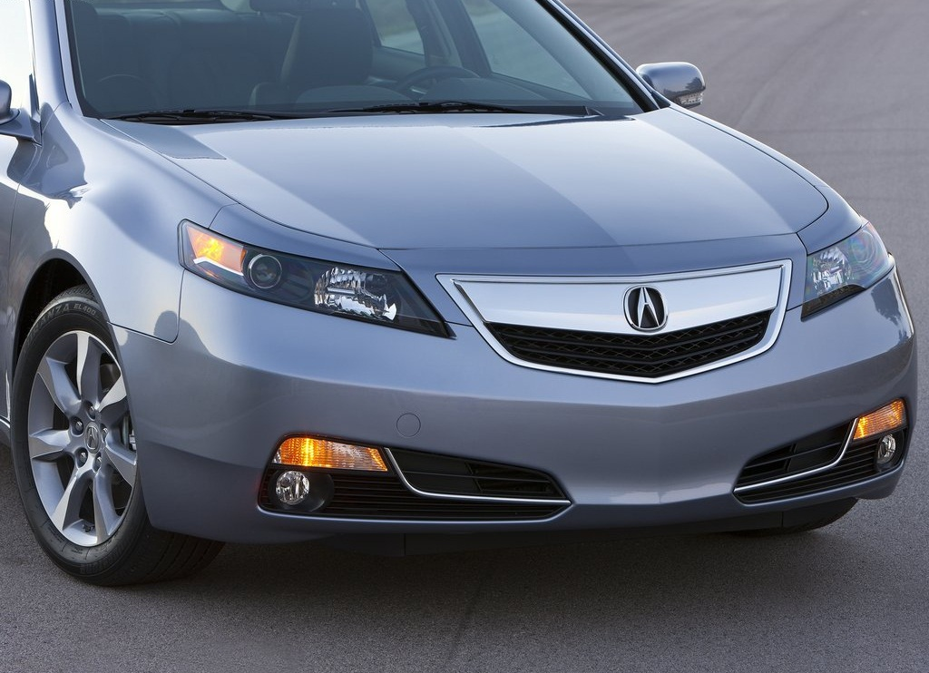 Acura TL Front  (Photo 5 of 9)