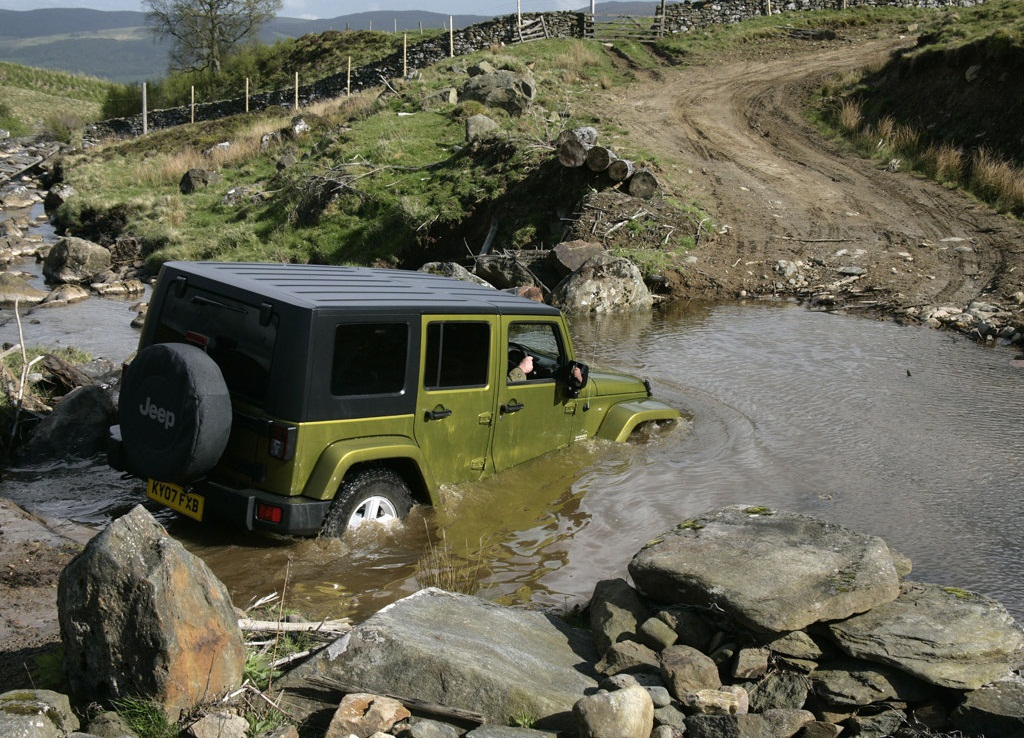 Jeep Wrangler Unlimited UK Version  (View 5 of 9)