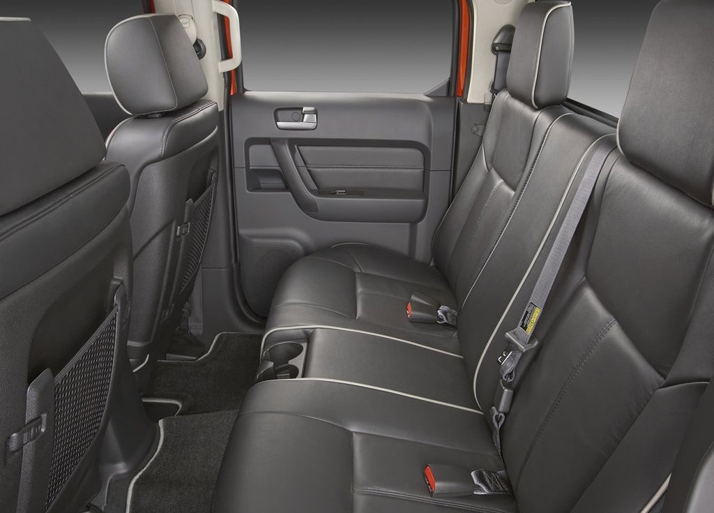 2009 Hummer H3T Alpha Seat (Photo 6 of 8)