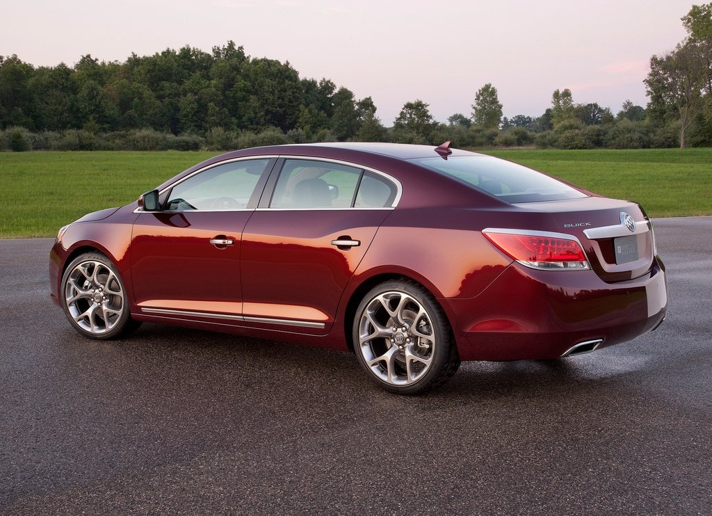 2011 Buick LaCrosse GL Concept Side (View 4 of 6)