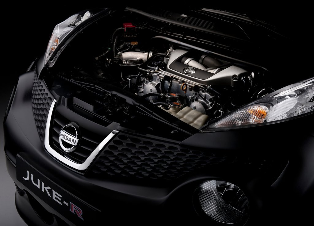 2011 Nissan Juke R Concept Engine (Photo 2 of 6)