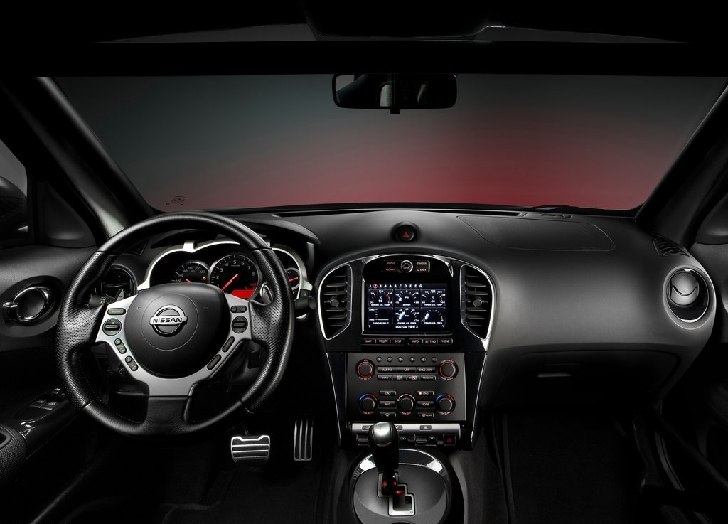 2011 Nissan Juke R Concept Interior (Photo 4 of 6)