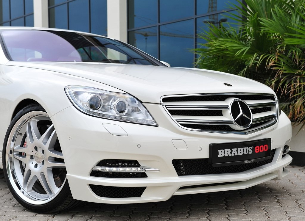 2012 Brabus 800 Coupe Front (Photo 4 of 7)