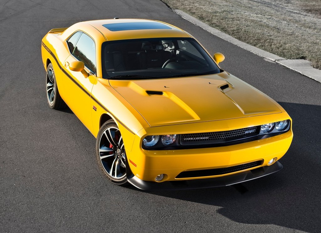 2012 Dodge Challenger SRT8 392 Yellow Jacket Review Pictures Gallery (7 Images)