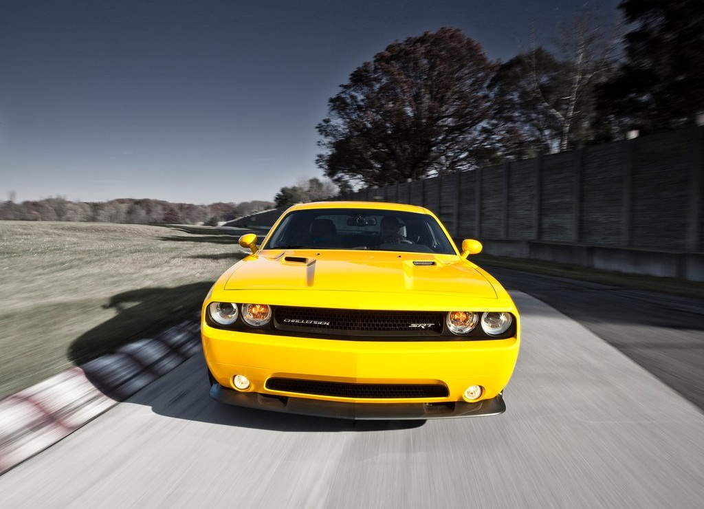 2012 Dodge Challenger SRT8 392 Yellow Jacket  (Photo 4 of 7)