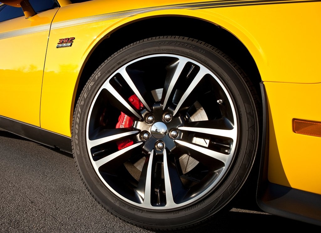 2012 Dodge Challenger SRT8 392 Yellow Jacket  (Photo 5 of 7)