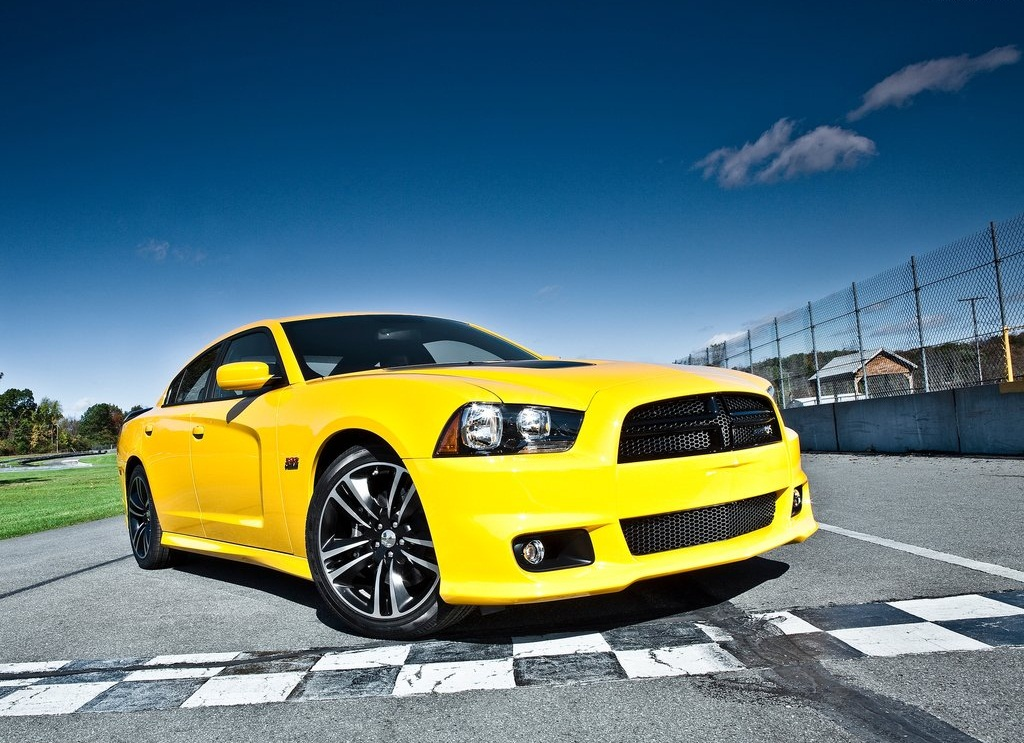 2012 Dodge Charger SRT8 Super Bee  (Photo 2 of 10)