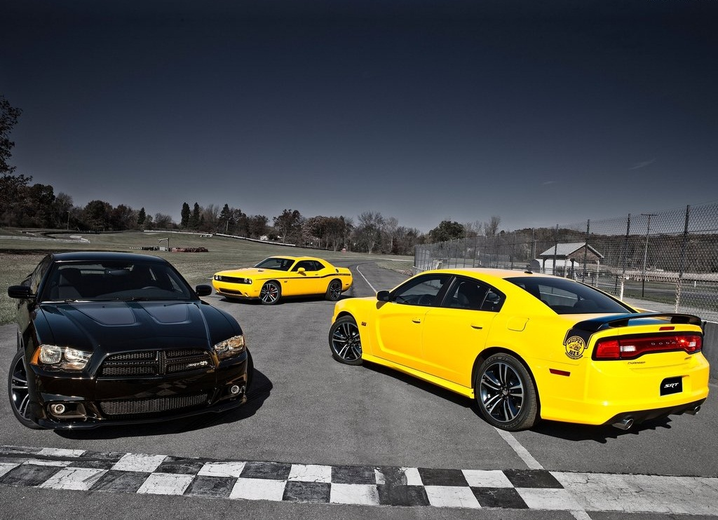 2012 Dodge Charger SRT8 Super Bee All (Photo 3 of 10)